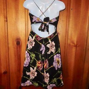 Nicole Miller 100% Silk Dress Size 2 Black Floral